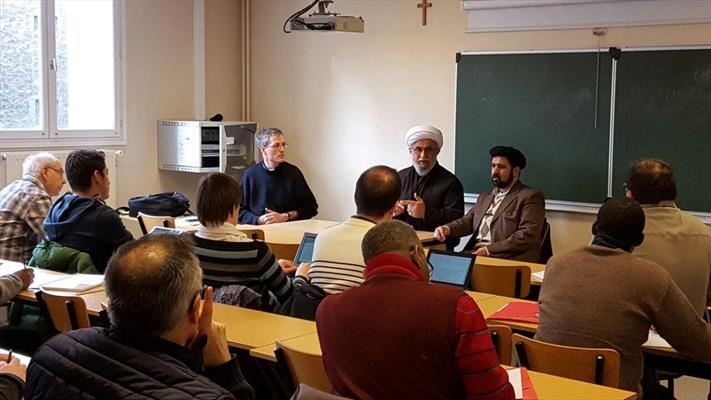 Iranian Cleric attends interfaith event at Sorbonne University, France